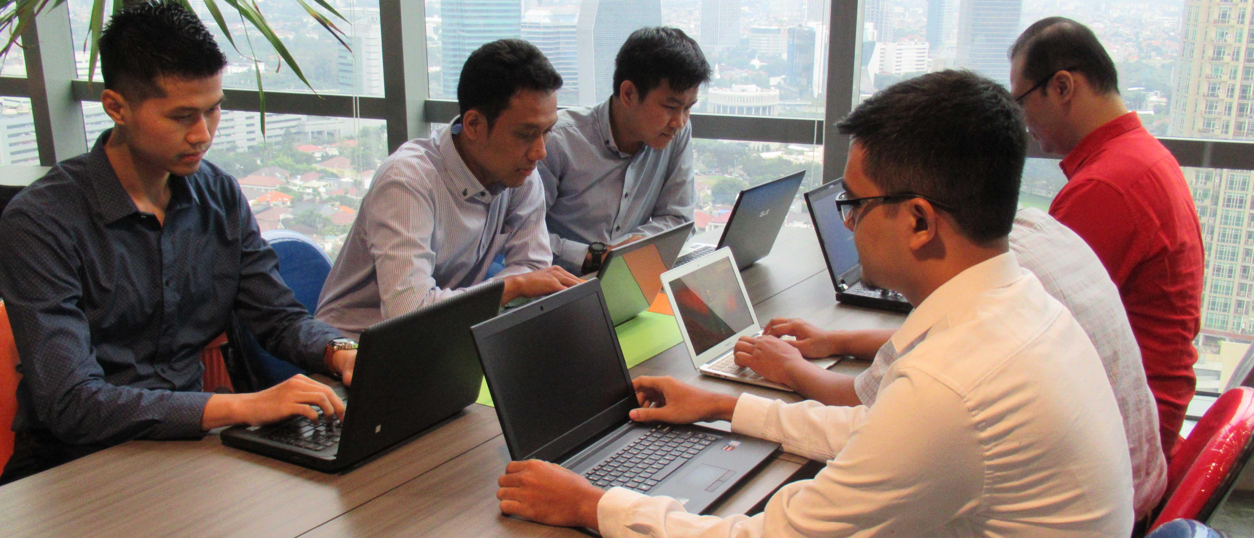 Expert Services Xsis Mitra Utama